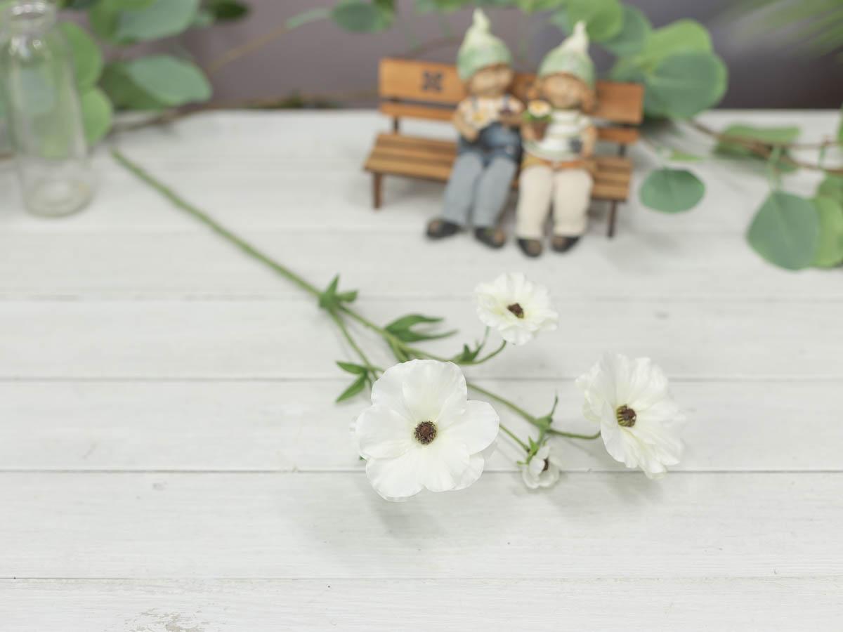 버터플라이 러넌큘러스 꽃 가지 56cm 테이블에 놓은 이미지