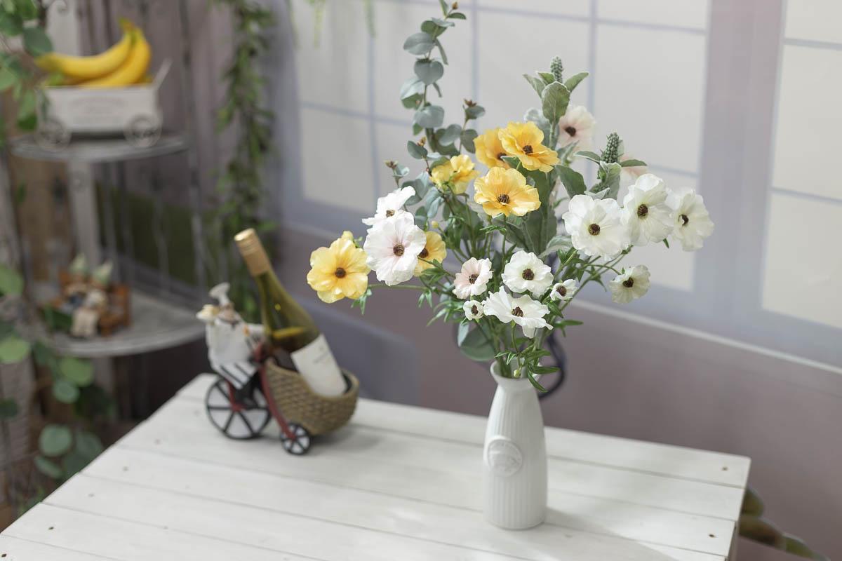 버터플라이 러넌큘러스 꽃 가지 56cm 연출샘플3