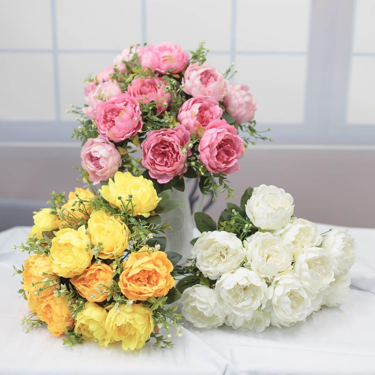 풍성한 작약 꽃 부쉬
